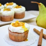 {Pear and Marzipan Cupcakes} – Cupcakes cu pere si martipan