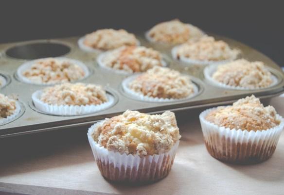 streusel apple muffins