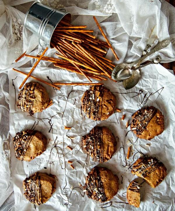 peanut butter pretzel cookies