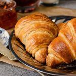 {Croissants} – Croissante cu unt