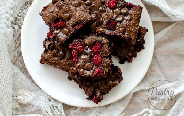 brownies cu ciocolata si zmeura