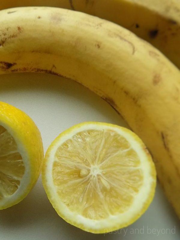 Bananas and lemon