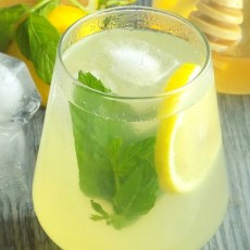 Healthy Honey Lemonade with Mint