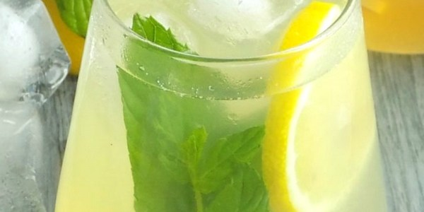 Healthy Honey Lemonade with Mint