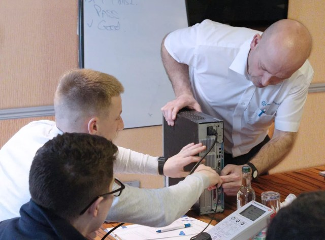 PAT testing course: Testing a PC