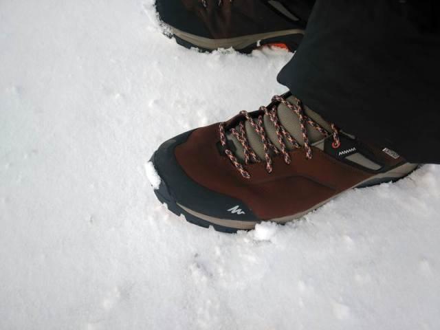 zapatillas impermeables en la nieve