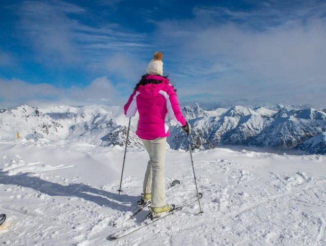 Esquiadora en septiembre en Bariloche