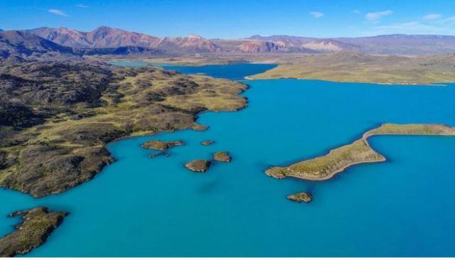 Panorámica desde la altura del lago en el Parque Nacional Perito Moreno.