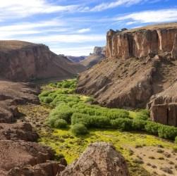 Vista panorámica del Cañadon Pinturas y la Cueva de Las Manos