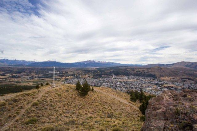 Sendero La Cruz, una de als tantas opciones de senderismo en Esquel.