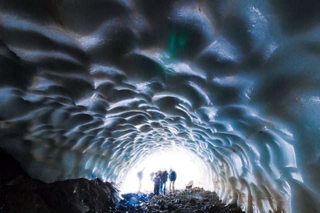 Túnel de hielo desde adentro.