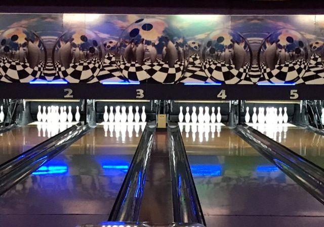 Pista de bowling, una alternativa para disfrutar con mal clima en Bariloche.