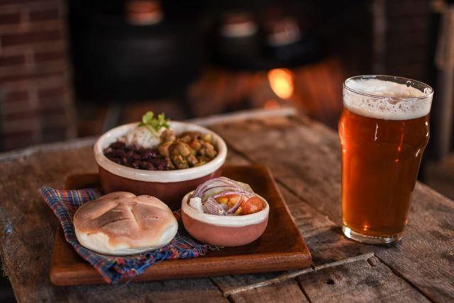 Cerveza artesanal de Los ANtiguos.