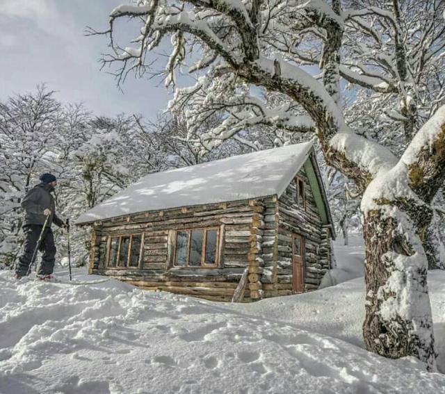 Refugio EL Dormilón con nieve.