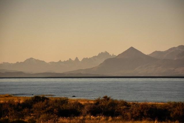 Costa de la Comarca del lago Buenos Aires.
