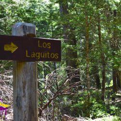 Cartel indicativo refugio Los Laguitos El Bolsón Patagonia Andina