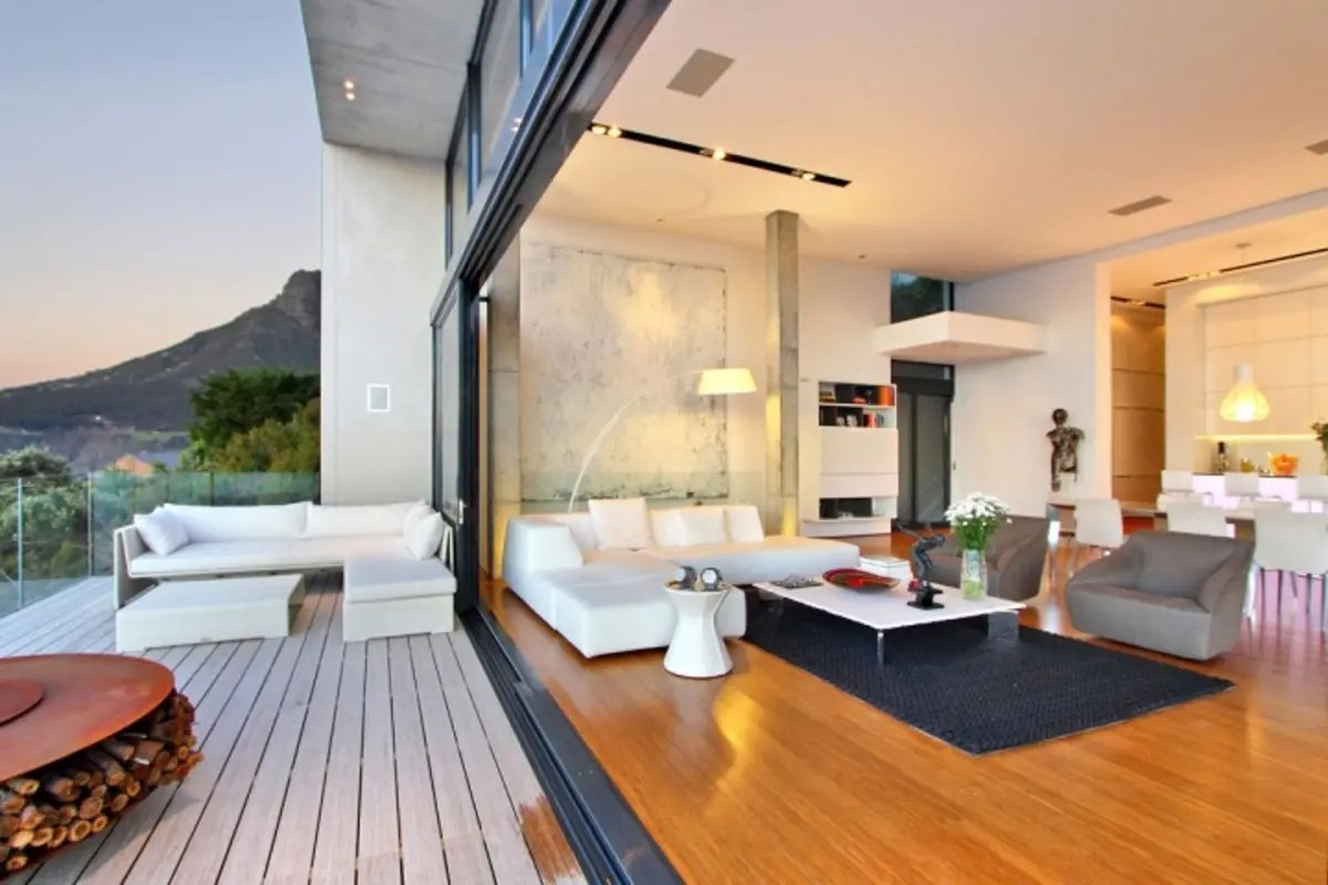 The Newest Trend in Home Design: The Indoor Outdoor Living ... on Enclosed Outdoor Living Spaces  id=19923