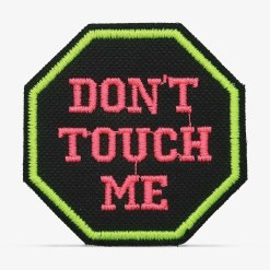 "Patch Bordado ""Don't touch me"", ""não me toque"" com termocolante 6x6cm da PATCH GANG"
