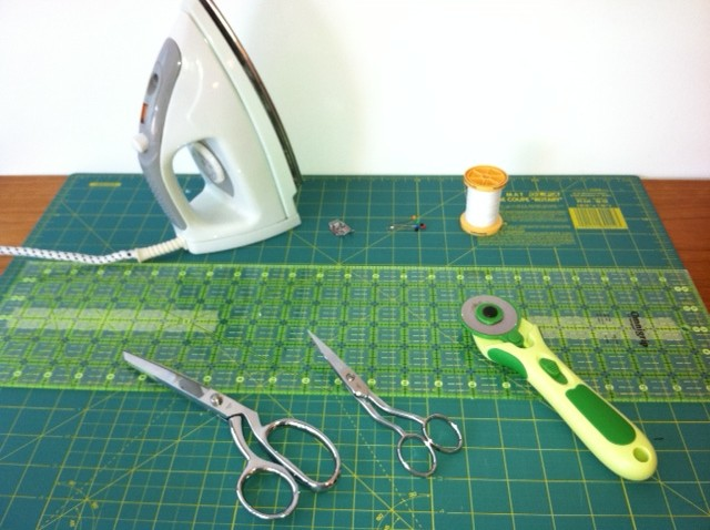 Material para patchwork c´ter rotativo, regla y base de corte
