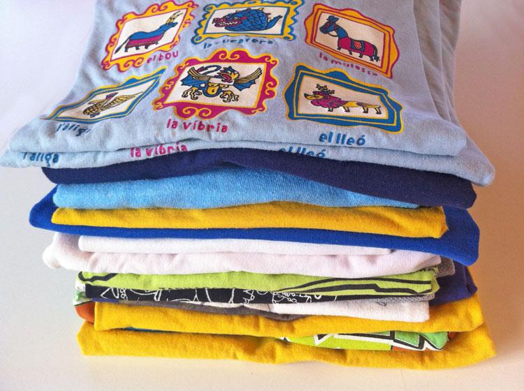 1f9a40d0c8 Colcha de camisetas estampadas recicladas  tutorial  - Fibra ...
