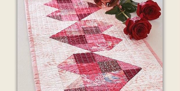 camino de mesa patchwork San valentín con corzazones pieceo