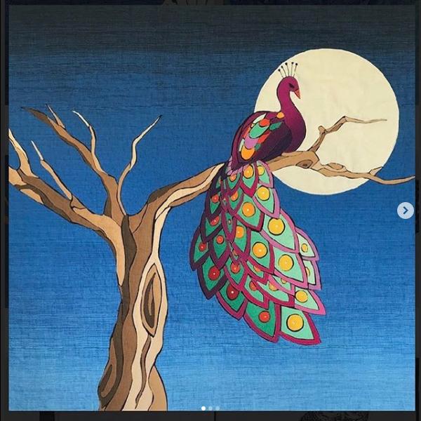 quilt Looking at the Moon de Rosa maria bas gonzález párajo mirando a la luna