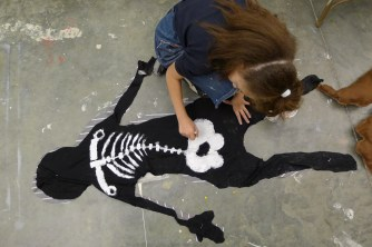 painting a skeleton