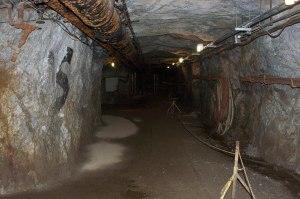 Sterling-hill-mining-museum-inside-adit-portal