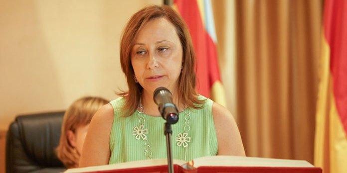 Elena Martiínez durante su toma de posesión como alcaldesa