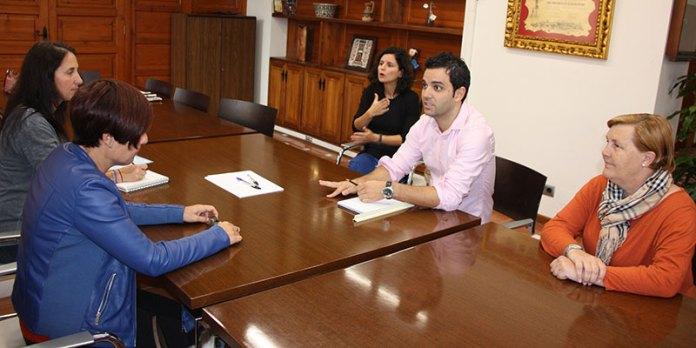 instante de la reunión del alcalde con FESORD
