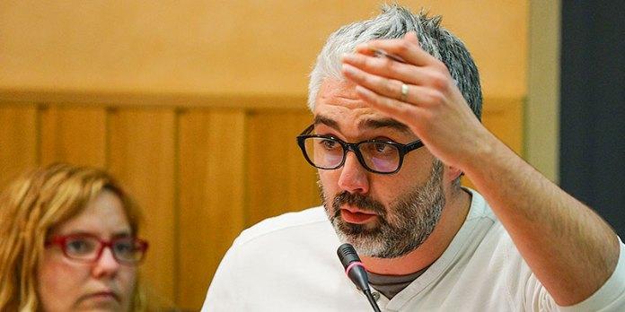 El portavoz de Compromís, Juanma Ramón