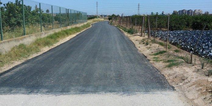Imagen de uno de los caminos asfaltados