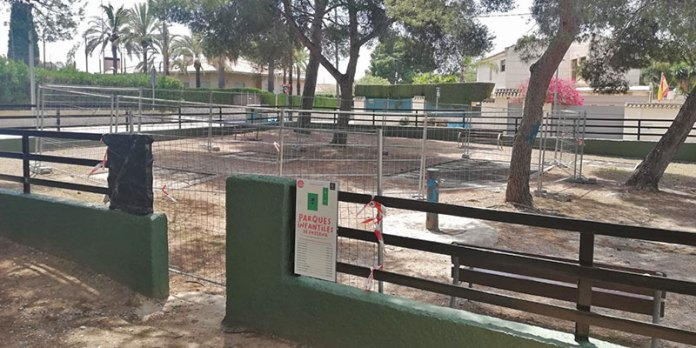 Parque infantil situado en el Plantío