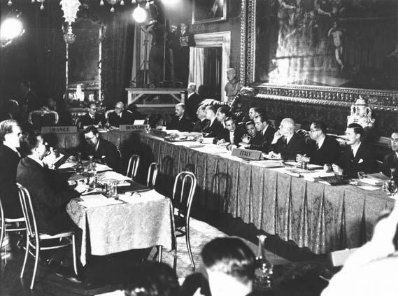 Signature de la Convention de sauvegarde des droits de l'homme et des libertés fondamentales à Rome le 4 novembre 1950 (© Conseil de l'Europe)