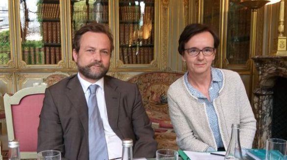 Bertrand Lionel-Marie, secrétaire général, et Pascale Morinière, présidente de la Confédération nationale des associations familiales catholiques, au ministère de la Justice le 11 juin 2019 (© CNAFC)