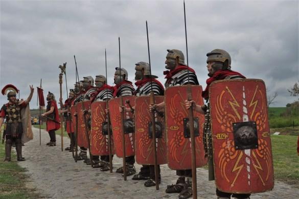 Гостите на старата ни столица могат да посетят и останките на римския град Никополис ад Иструм, отстоящи на 18 км.  Основан е през 102 г. от император Траян в чест на римската победа над даките и в даден момент е бил бил епископско седалище