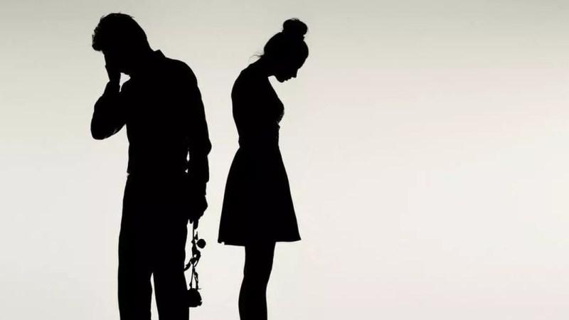5 comportements qui empêchent les gens de trouver des relations qui fonctionnent réellement