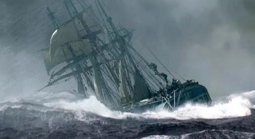 bateau tempete en mer