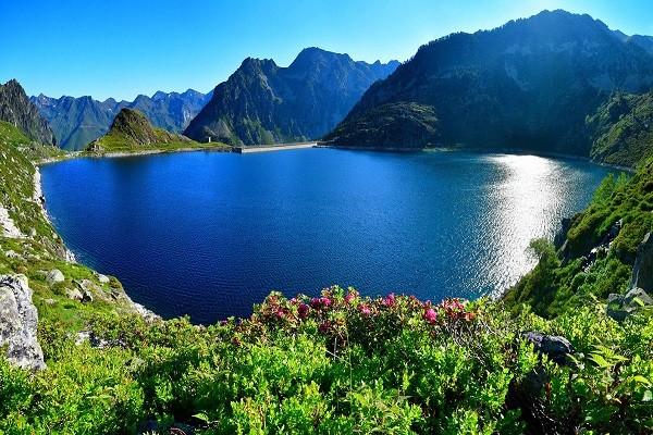 un beau lac