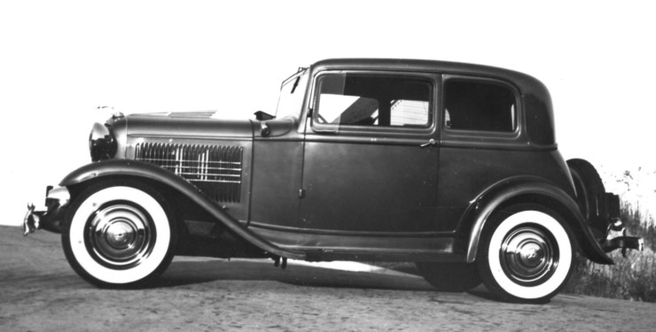 Bill Burke's '32 Ford Victoria