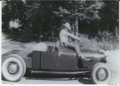 """'27 T roadster Chuck """"Hoot"""" Gibson"""