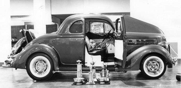 Cliff Elder's '36 Ford 5-window