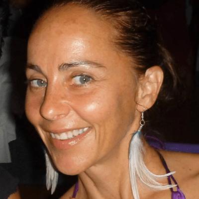 Alana Ross Azul graphic designer