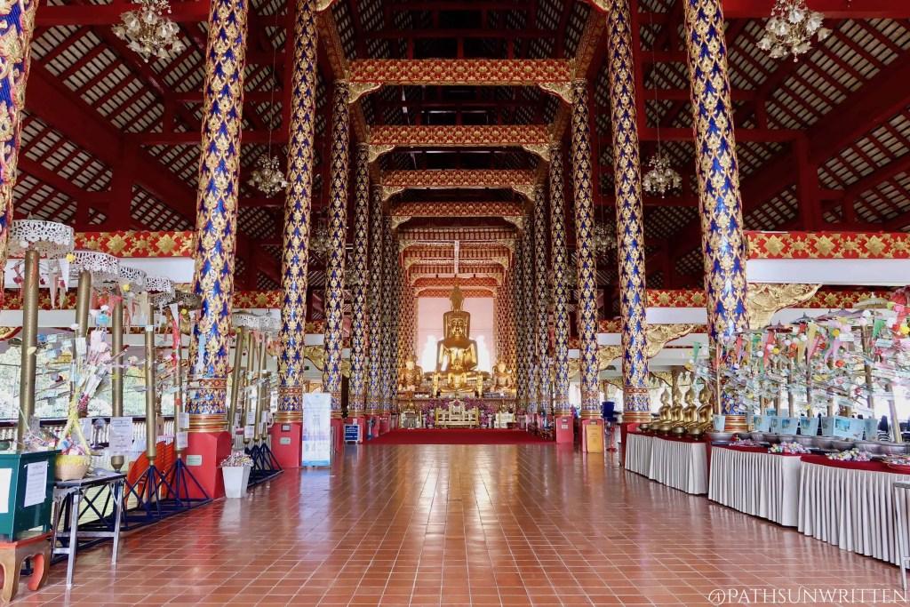 The interior of Wat Suan Dok.