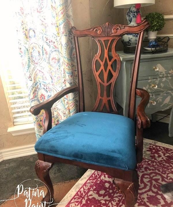 chair, curtains table, lamp