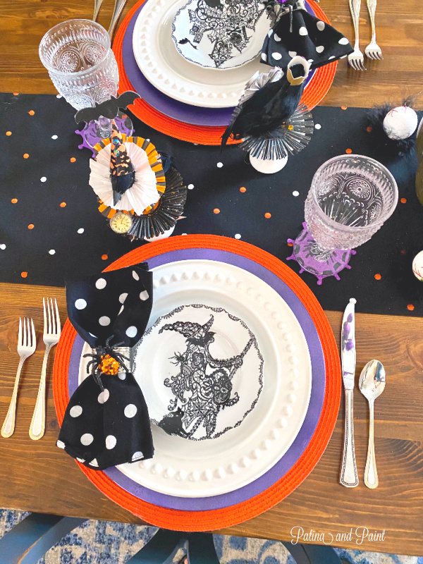 Halloween place setting, crows