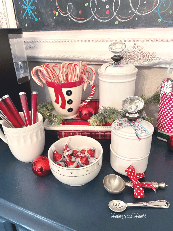 How To Set Up A Christmas Hot Cocoa Bar