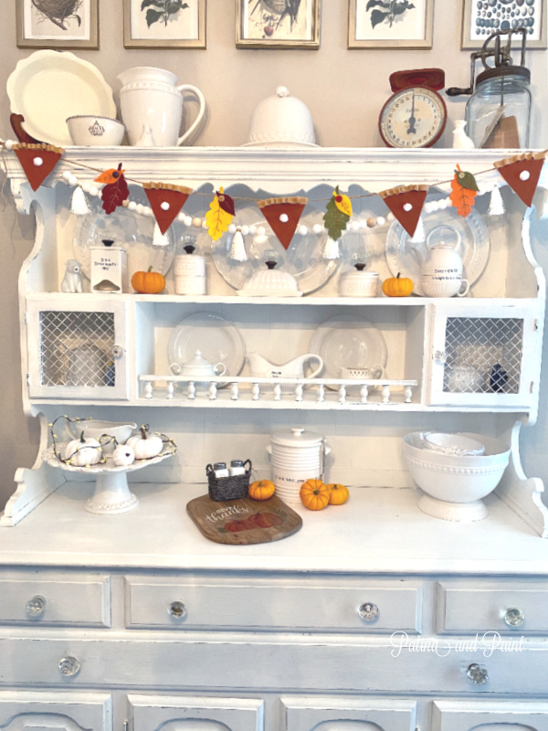china hutch, pumpkin pie banner