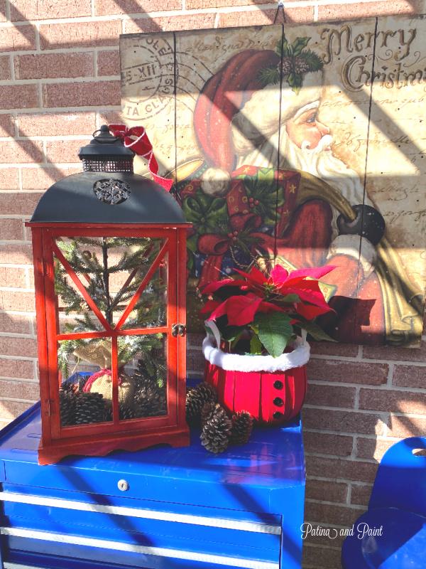 Santa, lantern