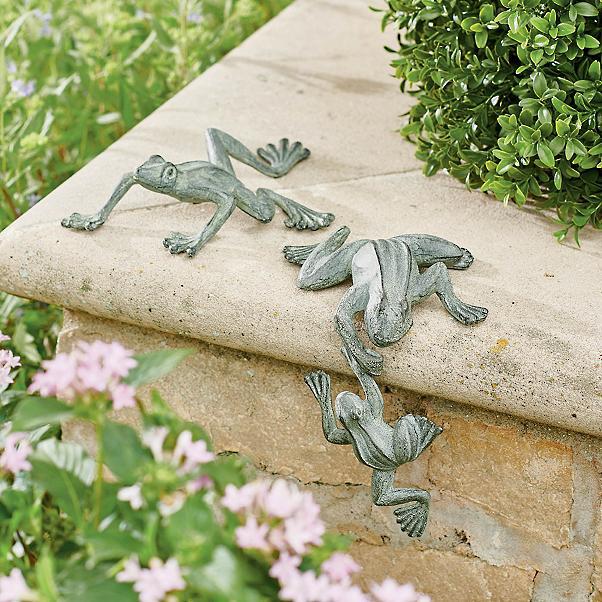 verdegris frogs